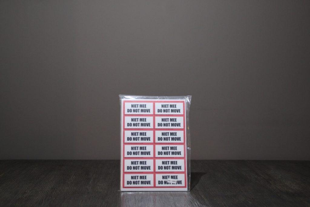 Etiketten Niet mee:Do not move